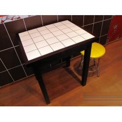 Стол кухонный из дерева массива и керамической плитки Title mini