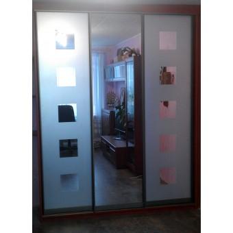 Шкаф-купе с пескоструйным рисунком на зеркале № 010