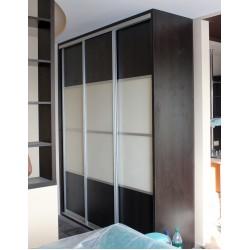 Шкаф-купе для одежды с крашеным стеклом № 021